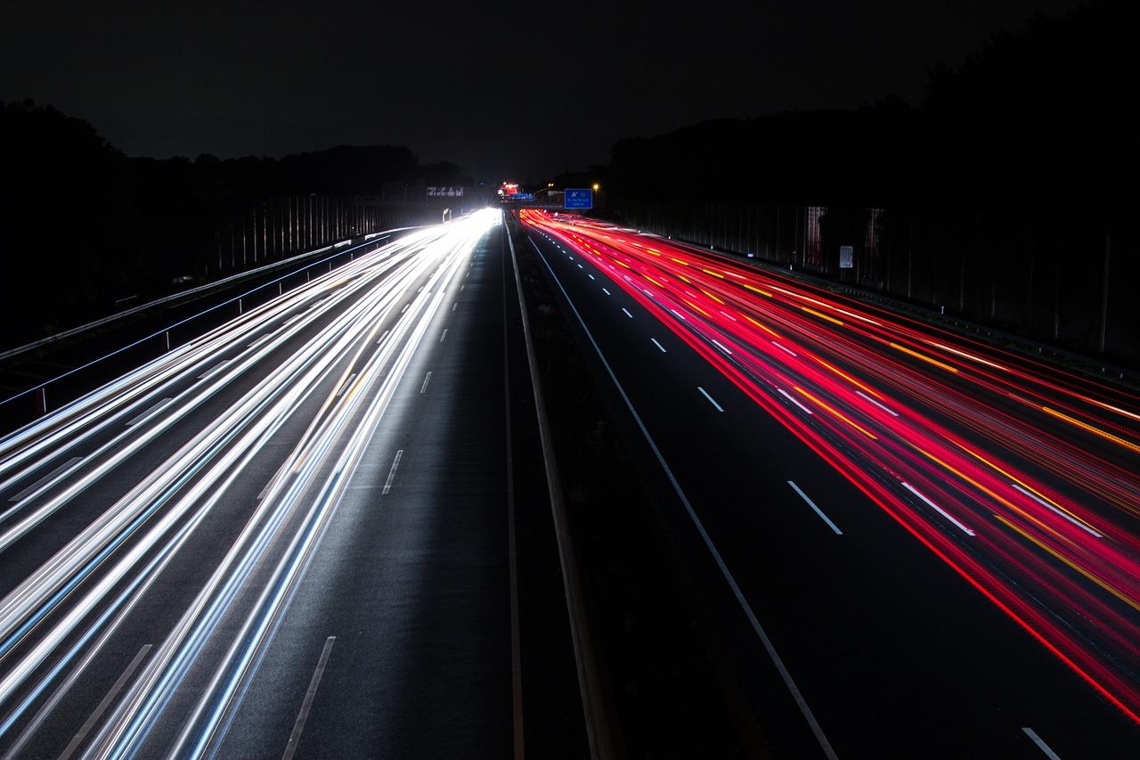 Kto wydaje licencje na transport drogowy? Transport drogowy przepisy