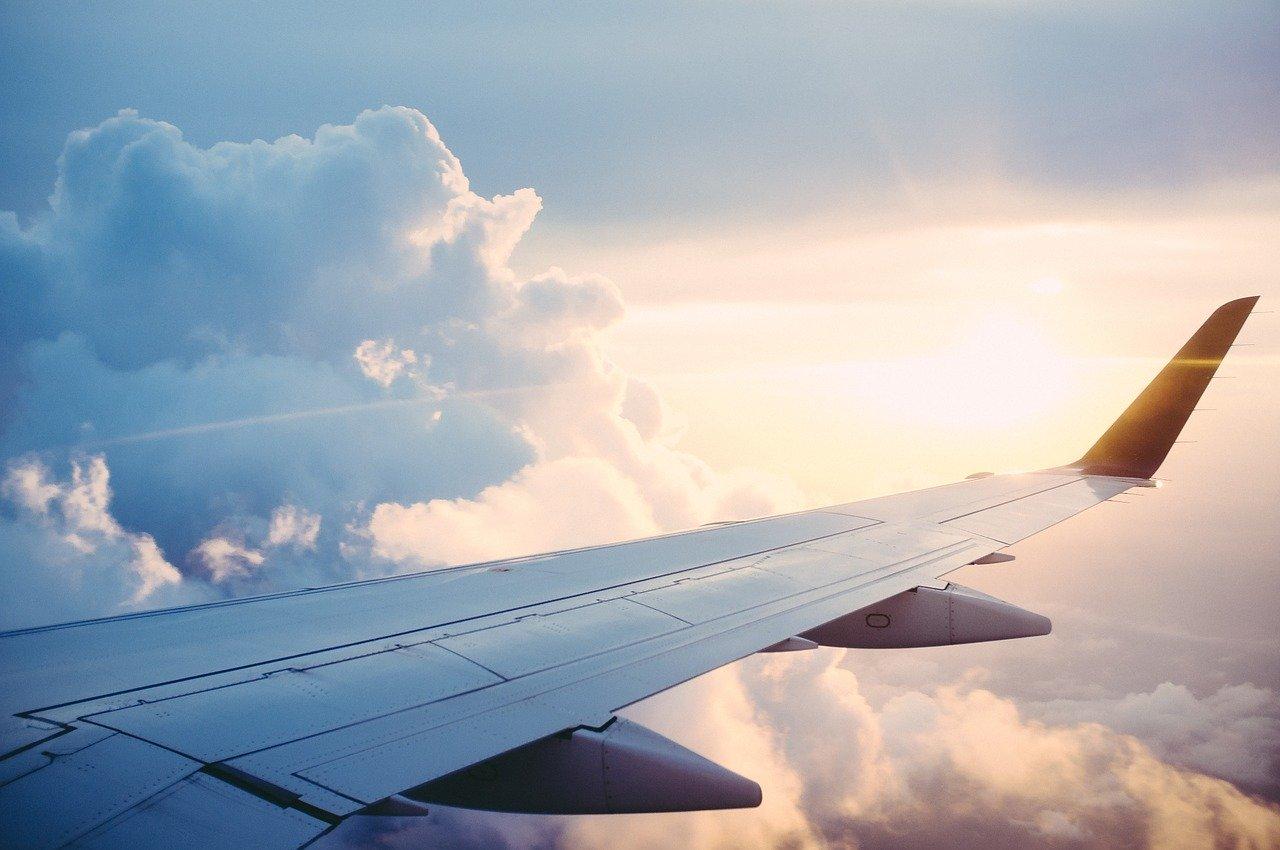 W przestworzach – piosenki o lataniu